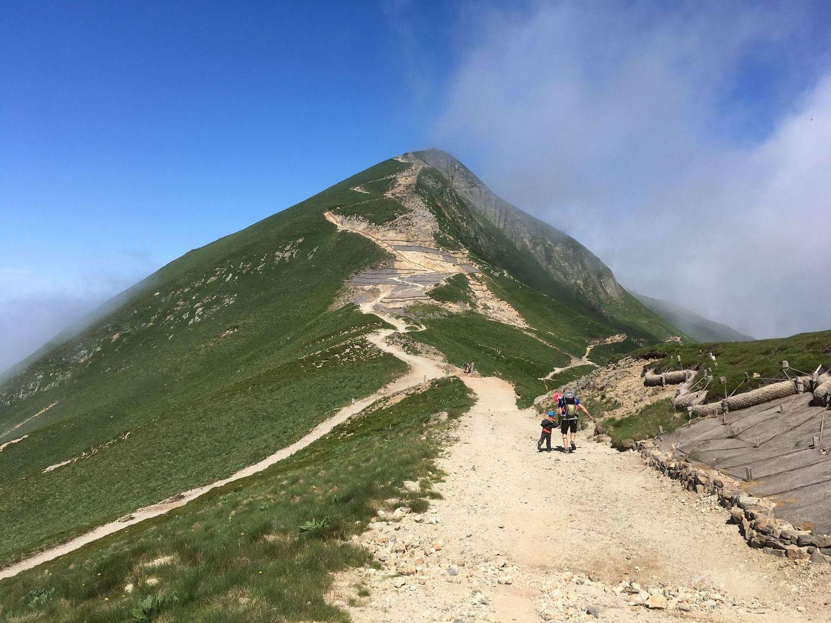 Sentiers-crete-super-besse